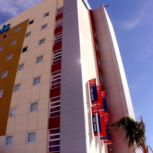 Louver HL3NV - Hotel IbisJPG