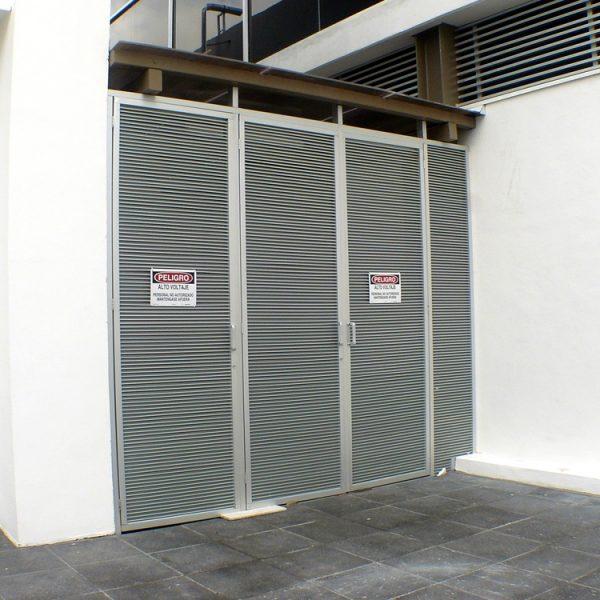 Louver HLAO1 Puerta de escalera - Edificio Garza Sada