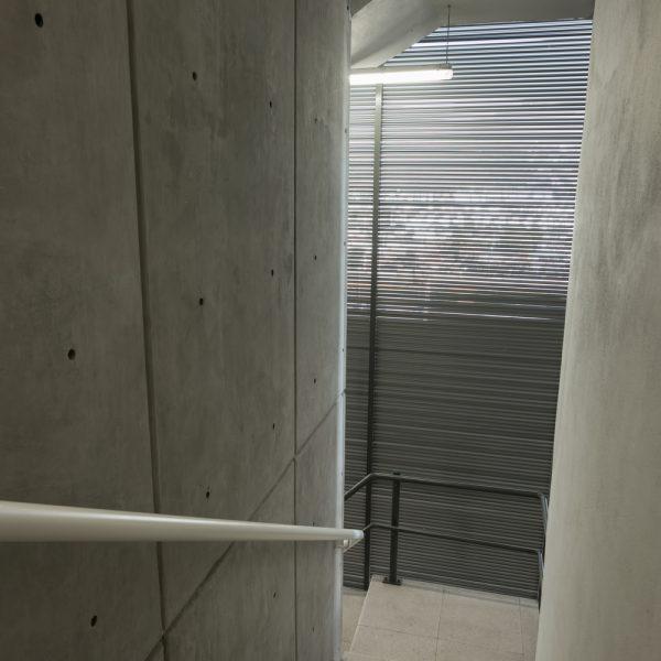 Louver HLAO125 en escalera - Torre XII-2